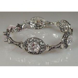 niezwykle-elegancka-bransoletka-z-krysztalami-swarovskiego